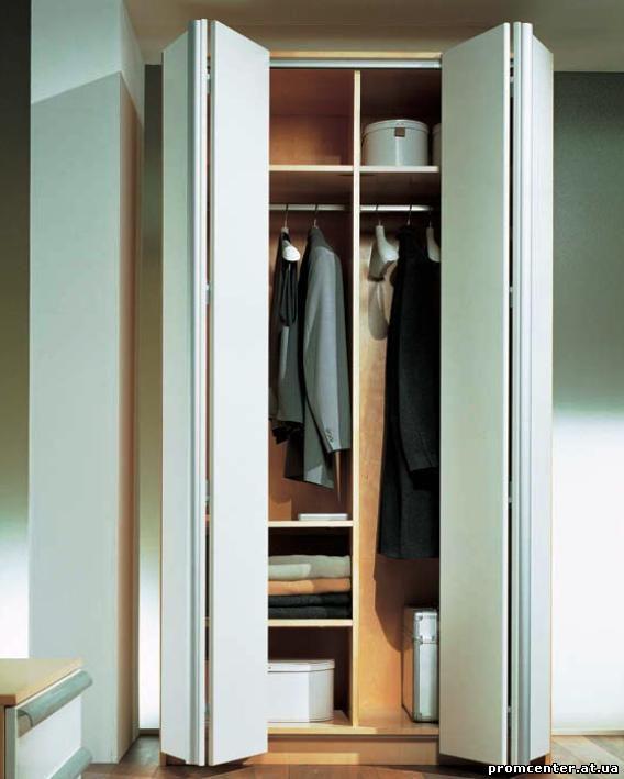 Шкафы с дверями гармошка